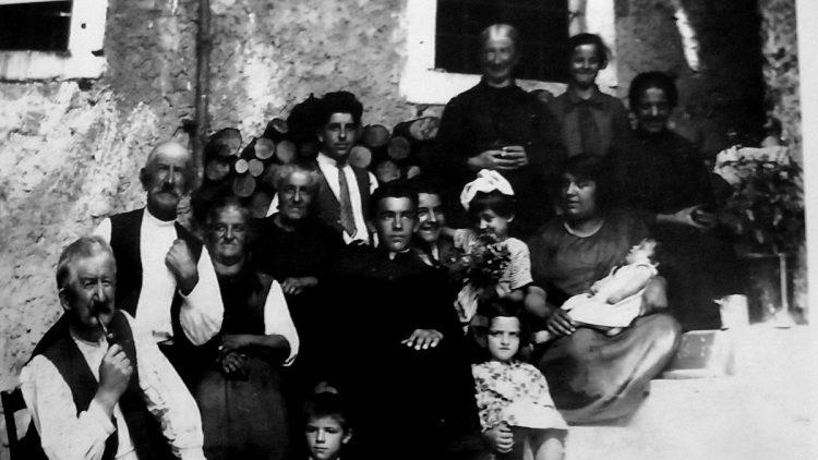Circa 1931, Duvredo, Trentino. Extended Parisi-Bleggi family.